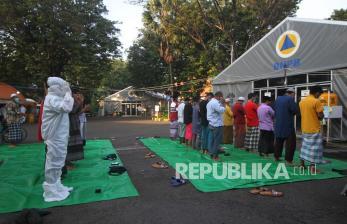 In Picture: Sholat Idulfitri di RS Lapangan Indrapura