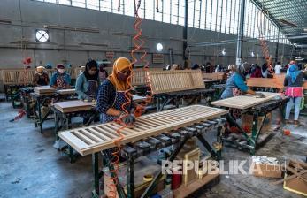 In Picture: Eksistensi Industri Furnitur di Tengah Pandemi Covid-19