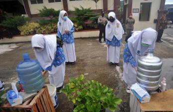 Rindu Bersekolah Terbayar di Zona Kuning Padang Panjang
