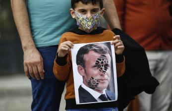 Ragam Cara Warga Muslim Arab Kecam Presiden Prancis Macron