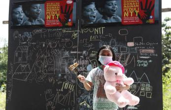 In Picture: Donasi Mainan Bagi Anak-anak Korban Bencana di NTT