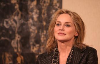 Sharon Stone Ungkap Kisah Strok yang Hampir Renggut Nyawanya