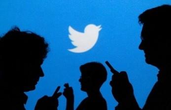 Twitter Imbau Pengguna Cek Fakta Kicauan Trump