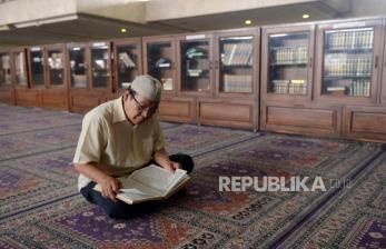 Kemenag: Tadarus dan Tarawih di Rumah Selama Ramadhan