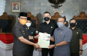 Wali Kota Sukabumi Sampaikan LKPJ 2020 Tepat Waktu