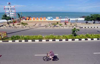 Kawasan Wisata Pantai Padang Ditutup Sampai 16 Mei 2021