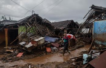 Pembersihan Pascabanjir Bandang Ditargetkan Selesai 3 Hari
