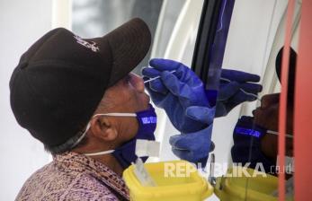 Mengejar Target 30 Ribu Uji Spesimen PCR Tiap Hari