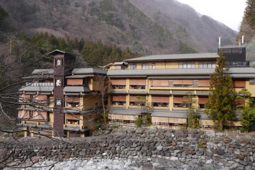 (ilustrasi) gambar pemandangan Nishiyama Onsen Keiunkan di Jepang