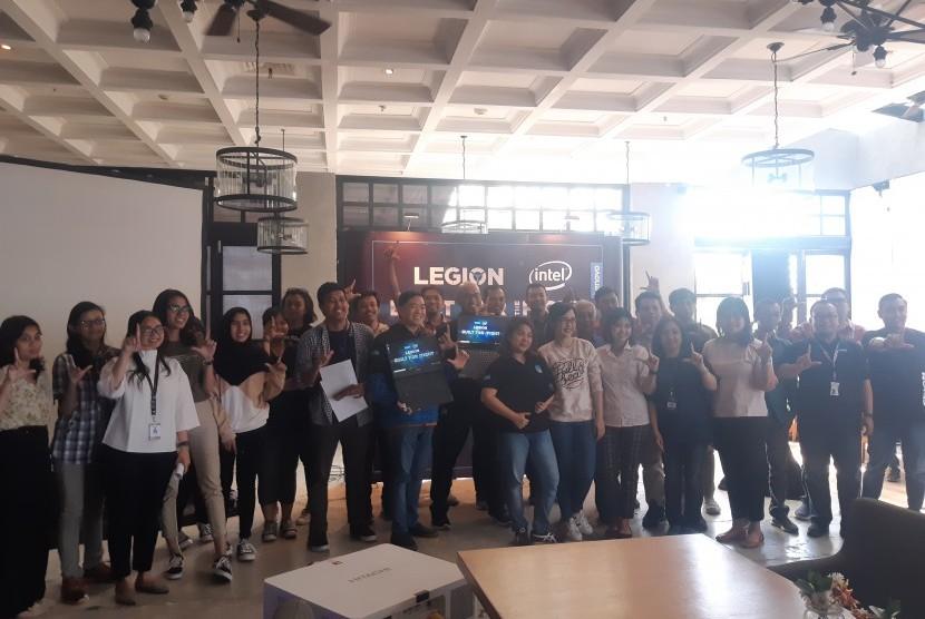 """Media Workshop Lenovo Legion"" yang diadakan di Canting Restaurant Galeria Mall Rooftop, Yogyakarta, Rabu (11/9)."