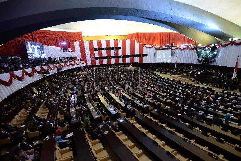 Suasana Sidang Tahunan MPR Tahun 2015 di Kompleks Parlemen, Senayan, Jakarta, Jumat (14/8). (Republika/Raisan Al Farisi)