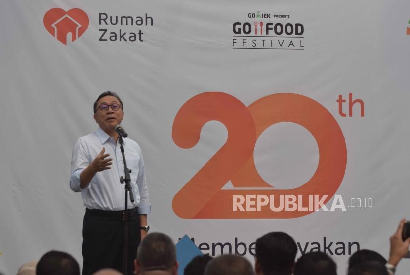 Ketua MPR RI, Zulkfili Hasan memberikan sambutan saat  peringatan milad Rumah Zakat ke  20 di  Jakarta, Kamis (26/7).