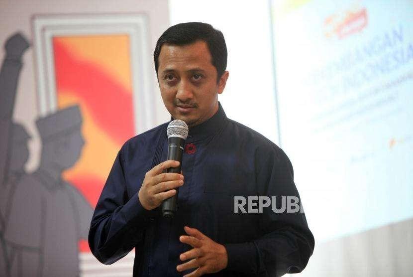 Founder Paytren Yusuf Mansur memberikan paparannya saat acara seminar Perkembangan Fintech Indonesia di Kantor Tempo, Jakarta, Rabu (8/8).