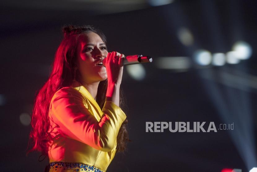 Penyanyi Raisa Andriana.