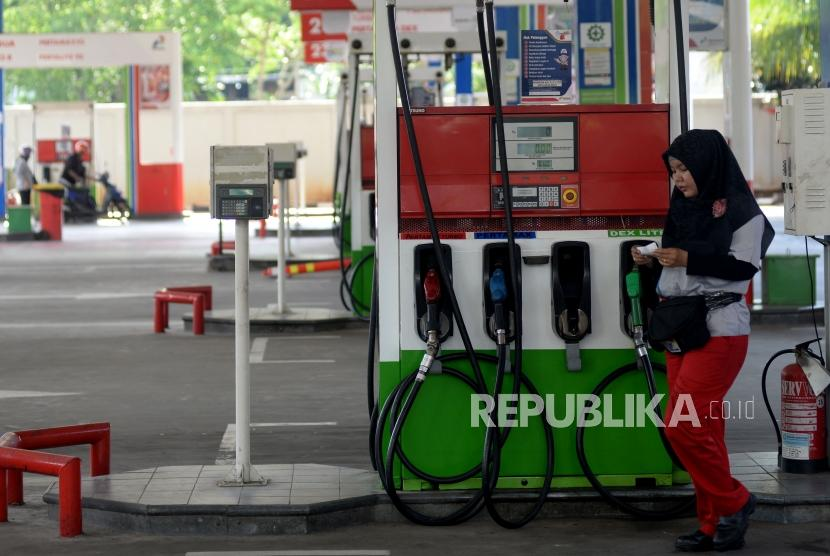 Non-subsidized fuel sold at Pertamina gas station, Abdul Muis street, Jakarta.
