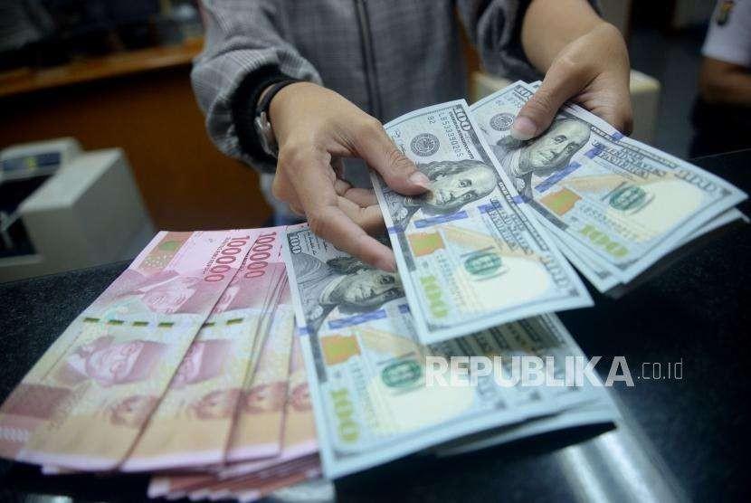 Pengusaha Jawa Timur Tukarkan 50 Juta Dolar As Ke Rupiah Republika Online
