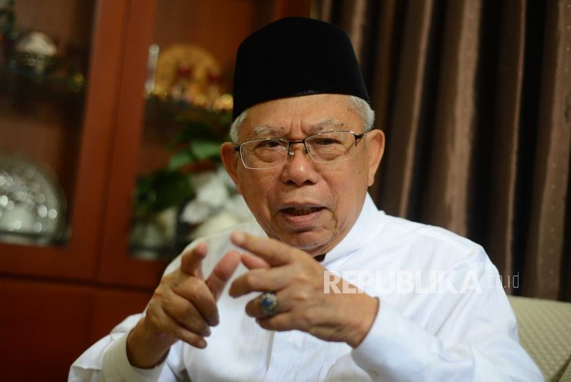 Ketua Umum Majelis Ulama Indonesia (MUI) KH Ma'ruf Amin  saat melakukan wawancara eklusif dengan Republika di Jakarta, Jumat (29/6).