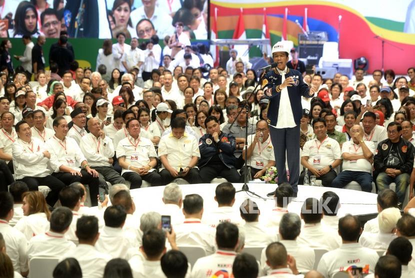 Deklarasi Pengusaha Untuk Jokowi-Amin. Capres Nomer 01 Joko Widodo menyampaikan paparan kinerja  kepada pengusaha saat deklarasi dukungan 10 ribu pengusaha untuk Jokowi-Amin di Istora Senayan, Jakarta, Kamis (21/3/2019).