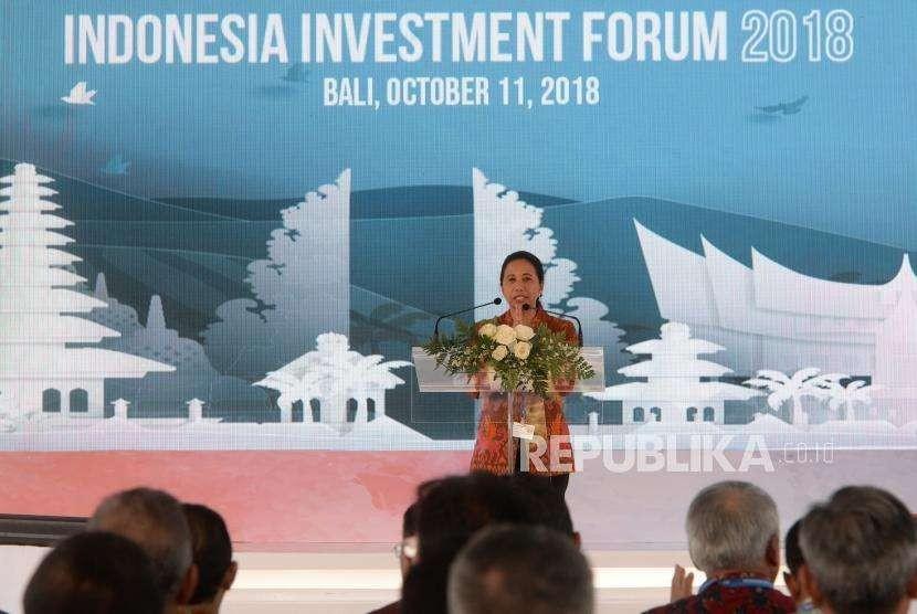 Kesepakatan Investasi Indonesia. Menteri BUMN Rini Soemarno memberikan sambutan sebelum penandatanganan bersama perjanjian kontrak investasi BUMN di sela Pertemuan Tahunan IMF - Bank Dunia di Nusa Dua, Bali, Kamis (11/10).