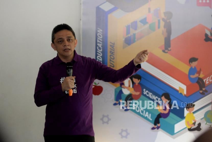Direktur Jenderal Pengelolaan Pembiayaan dan Risiko Kemenkeu Luky Alfirman. Sukuk Ritel SR015 sukses mencatat rekor hasil penjualan terbesar sepanjang sejarah penerbitan Sukuk Berharga Negara (SBN).