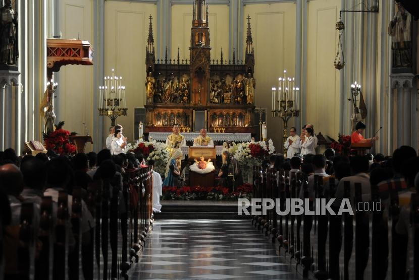 Ibadah Paskah Di Katedral Berjalan Lancar Republika Online