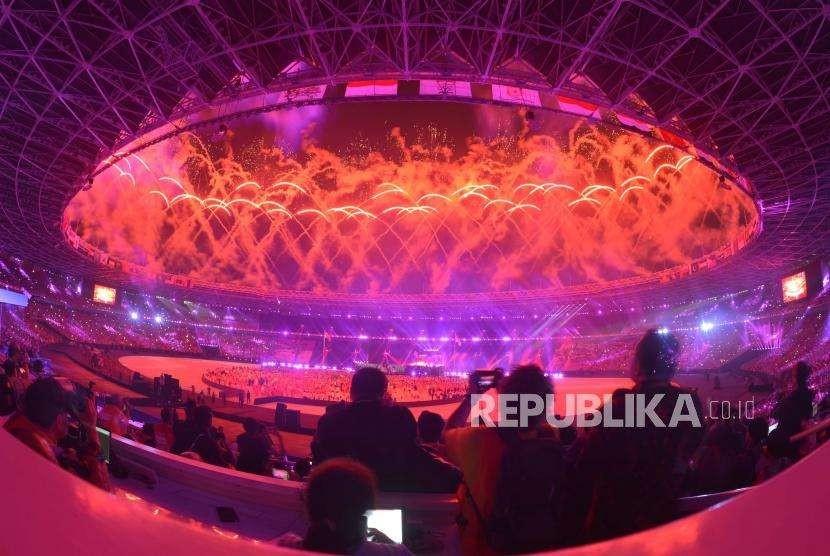 Suasana penutupan Asian Games ke 18 di Stadion Utama Gelota Bung Karno, Jakarta, Ahad(2/9).