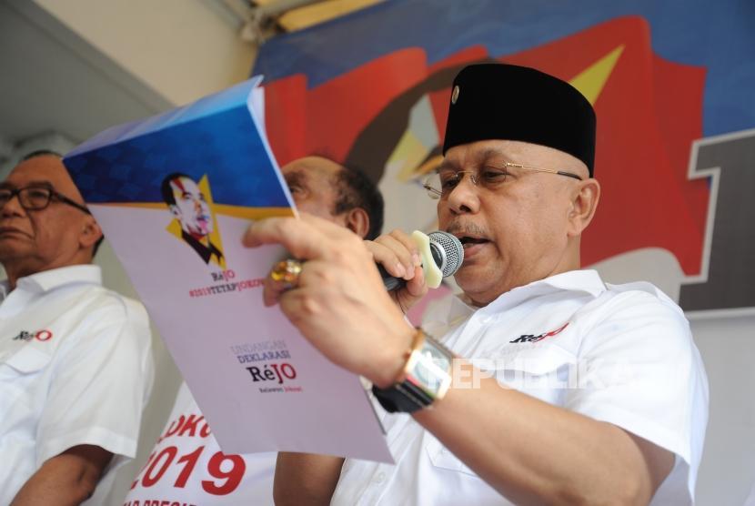 Kader Demokrat yakn KLB Demokrat semakin dekat. Foto Darmizal yang juga Ketua umum Relawan Jokowi, HM Darmizal membacakan surat deklarasi dukungan kepada jokowi  di Jakarta -foto ilustrasi-