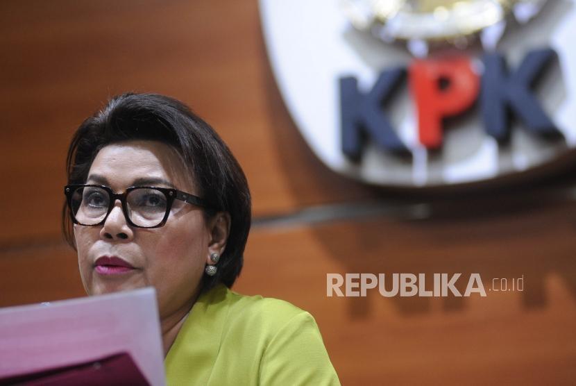 Wakil Ketua KPK  Basaria Panjaitan  memberikan keterangan kepada media terkait OTT yang di lakukan KPK,  Jakarta, Kamis (1/3).