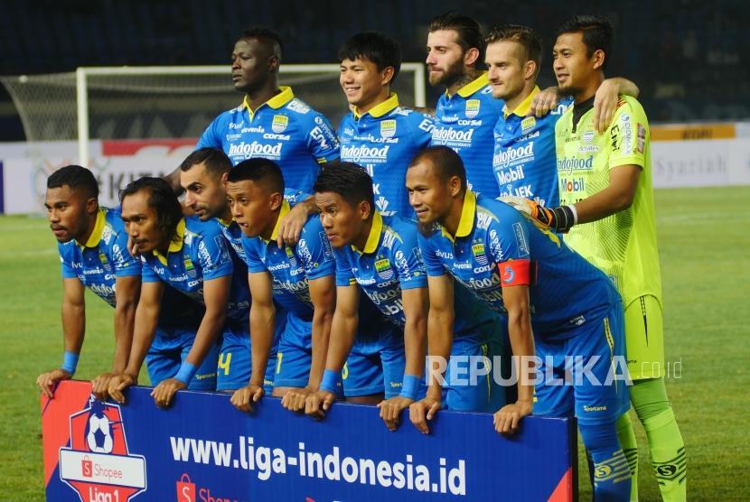 Tim Persib menjelang laga Shopee Liga 1 2019 melawan Persipura di Stadion Si Jalak Harupat, Soreang, Sabtu (18/5).