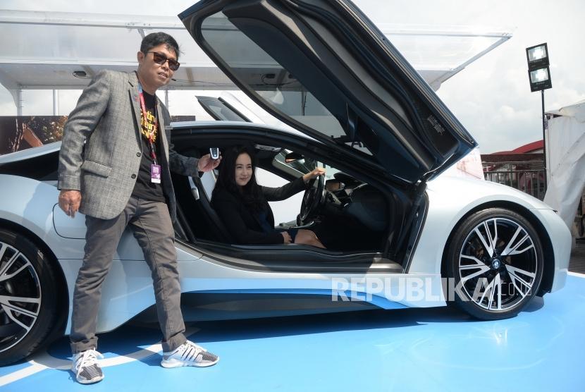 Bmw Luncurkan Mobil Listrik Ke Pasar Indonesia Di 2021 Republika Online