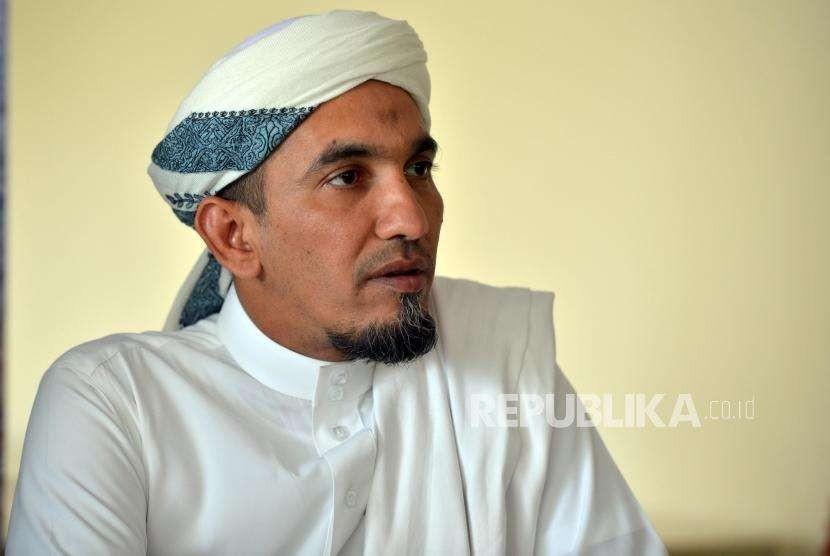 Ketua FPI - KH. Ahmad Sobri Lubis