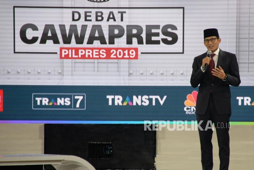 Cawapres No 02 Sandiaga Uno saat mengikuti debat Cawapres Pilpres 2019 di Jakarta, Ahad (17/3).