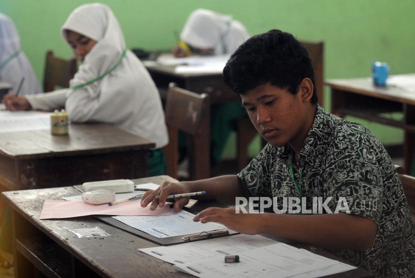 Ujian Tanpa Kertas, Disdik Kota Bandung Hemat Puluhan Miliar