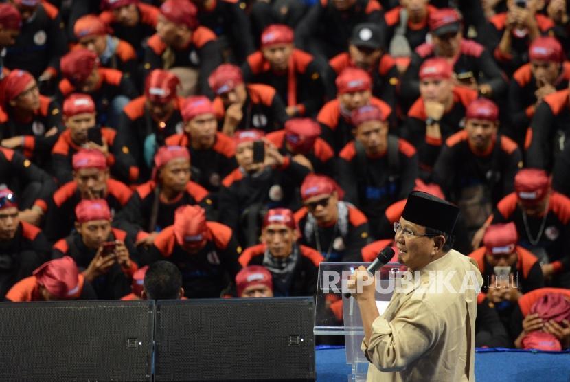 Calon Presiden Nomor Urut 02 Prabowo Subianto saat menyampaikan pidato di Hall Sports Mall, Kelapa Gading, Jakarta, Rabu (6/2).