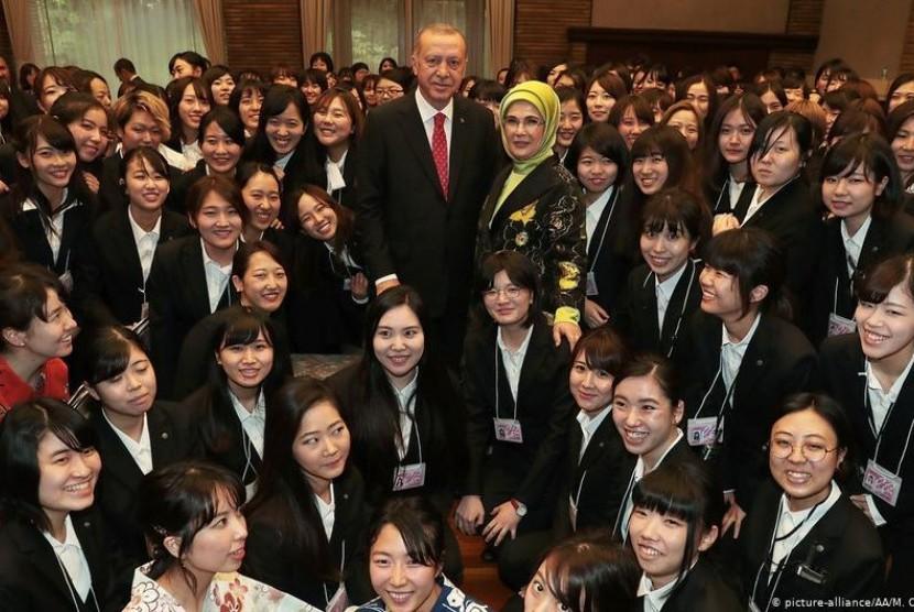 Erdogan Ingin Ada Pemisahan Gender di Universitas Turki