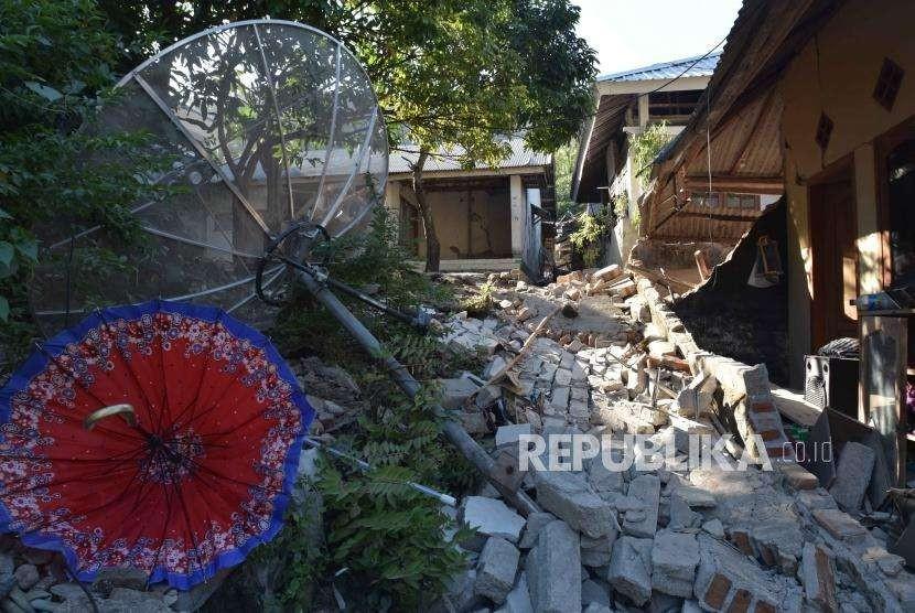 Kondisi rumah yang rusak  akibat gempa  di kecamatan pemenang, Lombok Utara, NTB, Rabu (8/8).