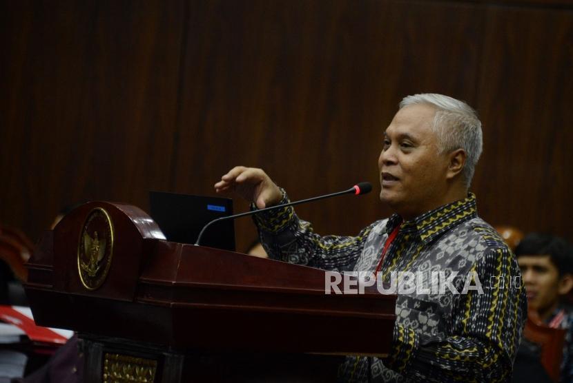 Saksi ahli dari pihak termohon Marsudi Wahyu Kisworo saat memberikan keterangan pada sidang lanjutan Perselisihan Hasil Pemilihan Umum (PHPU) Pemilihan Presiden (Pilpres) 2019 di Gedung Mahkamah Konstitusi, Jakarta, Kamis (20/6).