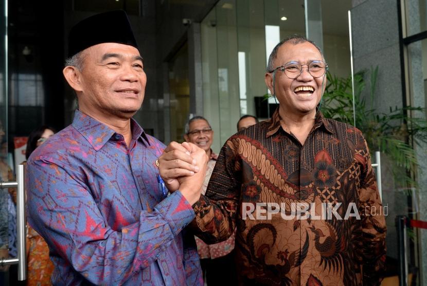 Pencegahan Korupsi Pendidikan. Ketua KPK Agus Rahardjo (kanan) bersama Mendikbud Muhadjir Effendy menyampaikan konferensi pers bersama usai pertemuan di Gedung KPK, Jakarta, Selasa (8/2/2019).