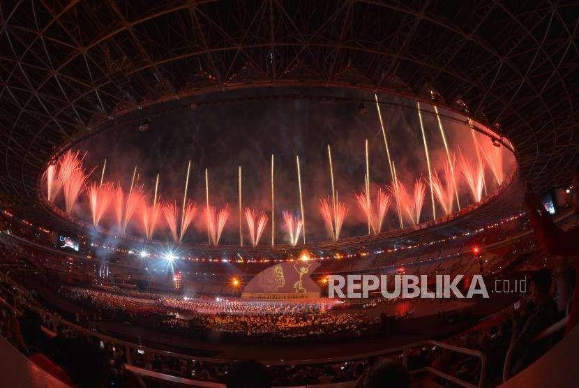 Suasana Pembukaan Asian Para Games ke 3 yang menceritakan keberagaman Indonesia saat pembukaan Asian Para Games ke 3 di Stadion Utama Gelora Bung Karno Jakarta, Sabtu (6/10) Malam.