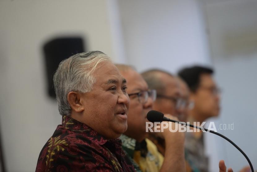 Din Syamsuddin (kiri)