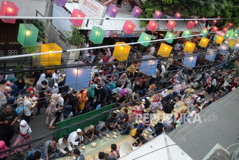 Suasana Buka Puasa Bersama Di Masjid Jogokariyan Republika Online