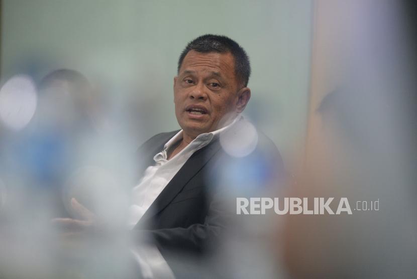 Mantan Panglima TNI Jenderal TNI Gatot Nurmantyo memaparkan pandangannya saat berkunjung ke kantor Republika, Jakarta, Rabu (28/3).