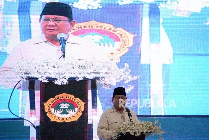 Calon Presiden nomor urut 02 Prabowo Subianto berpidato saat mengadiri Rakernas Lembaga Dakwah Islam Indonesia (LDII), di Pondok Pesantren Minhaajurrosyidin, Jakarta, Kamis (11/10).