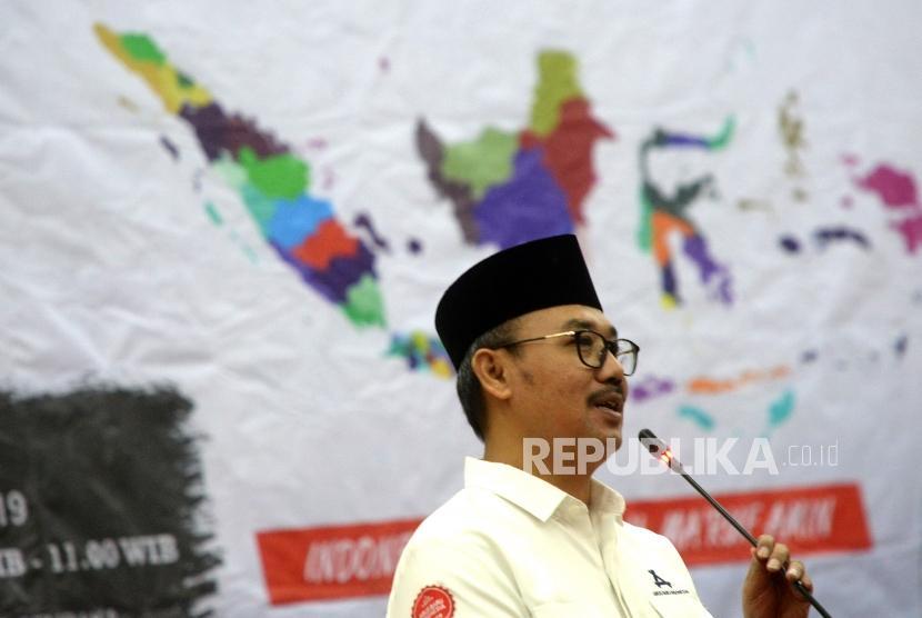Tasyakuran Pemilu Damai. Ketua Umum Arus Baru Indonesia (ARBI), Lukmanul Hakim menyampaikan paparan saat tasyakuran atas Pemilu damai 2019 di Jakarta, Jumat (26/4/2019).
