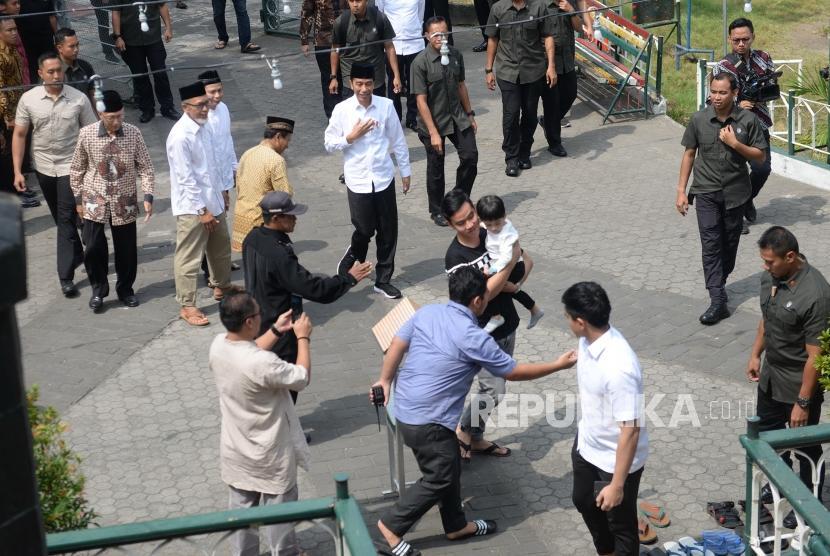 Jokowi Jumatan di Syuhada. Presiden Joko Widodo tiba di Masjid Syuhada, Yogyakarta, Jumat (7/6/2019).