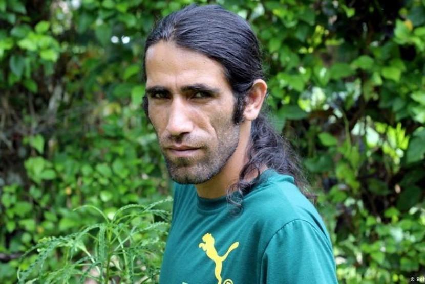 Pengungsi Iran di Kamp Tahanan Australia Menang Penghargaan Buku Bergengsi