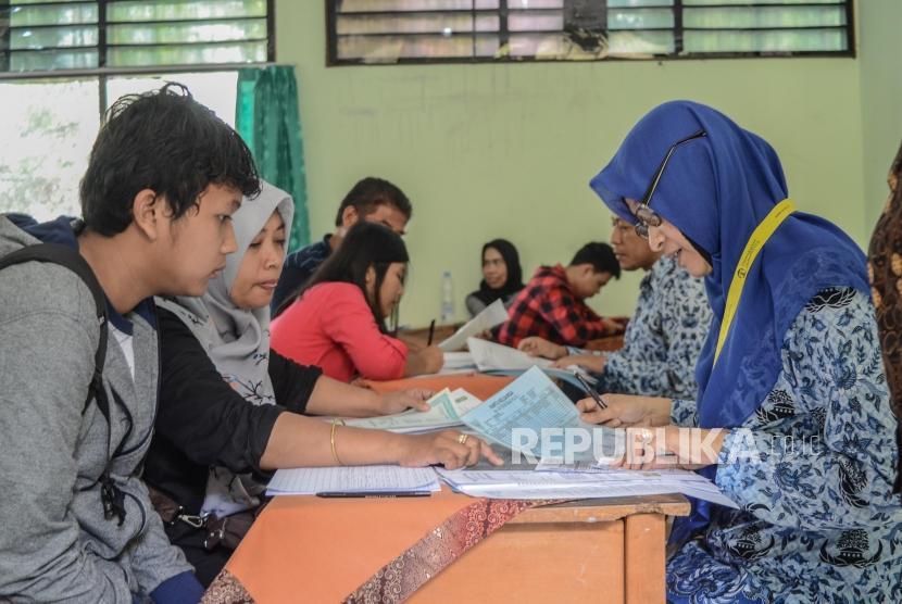 Pendaftaran PPDB online SMA (ilustrasi).