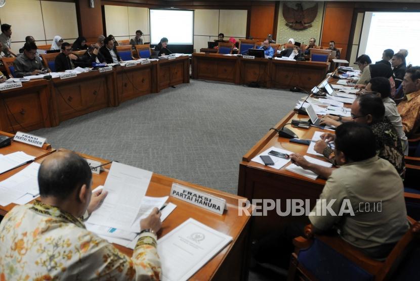 Suasana Rapat Pansus RUU Terorisme di Jakarta, Rabu (23/5).