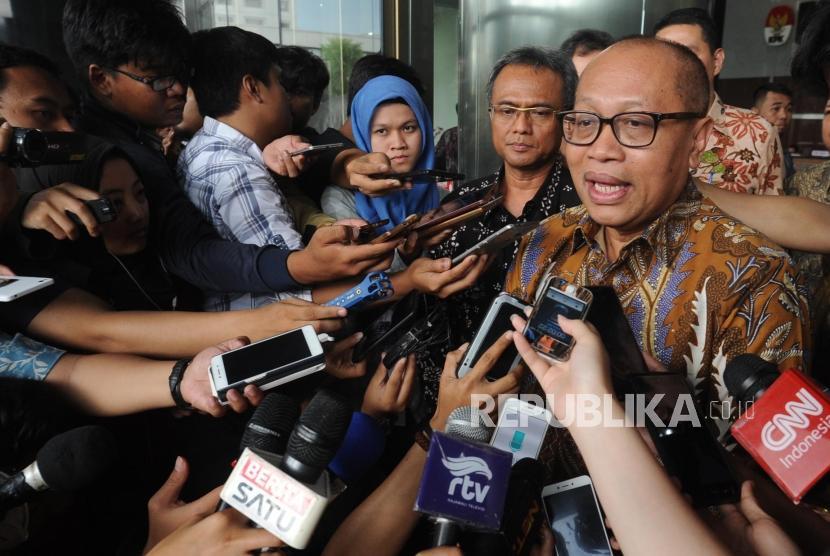 Direktur Utama BPJS Ketenagakerjaan Agus Susanto memberikan keterangan kepada media di Kantor KPK, Jakarta, Rabu (3/1).