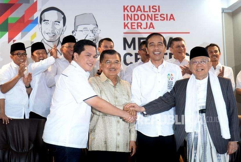 Pengumuman Tim Kampanye Nasional. Presiden Joko Widodo (kedua kanan), Wapres Sekaligus Ketua Tim Pengarah Tim Kampanye Nasional Jusuf Kalla (kedua kiri), Cawapres KH Maruf Amin (kanan), dan Ketua Tim Kampanye Nasional Jokowi-Maruf Amin, Erick Thohir befoto usai pengumuman Tim Kampanye Nasional Joko Widodo - KH Maruf Amin di Jakarta, Jumat (7/9).